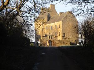 Mid Hope Castle In Hopetoun Estate